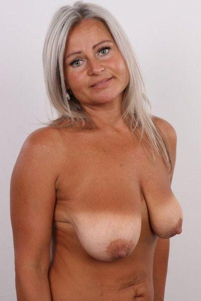 Erotische Fickanzeigen für Erotikkontakte mit Liebhaberinnen