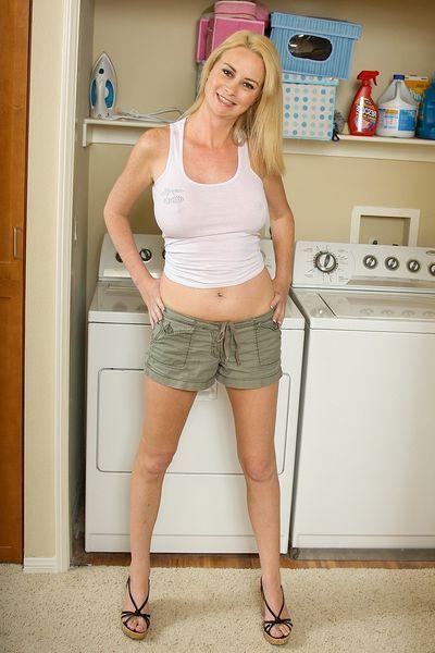 Freche Fickanzeigen für Poppen Kontakte mit Hausfrauen