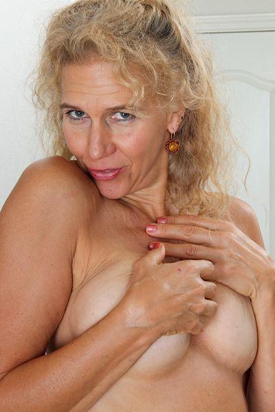 Freche Sexanzeigen für Sex Kontakte mit Muddas