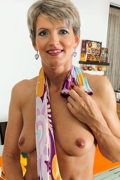 Sinnliche Sexinserate für Milfdates mit Lehrerinnen