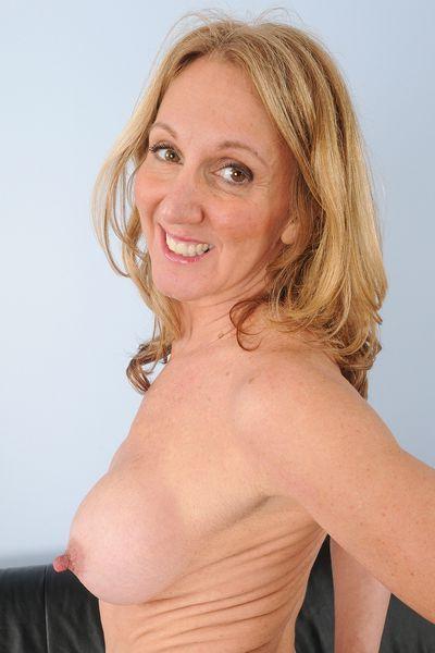 Versaute Datinganzeigen für erotische Kontakte mit Schlampen