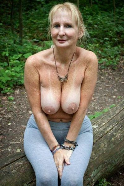 Lange Sexannouncen für Erotik Kontakte mit Muddas
