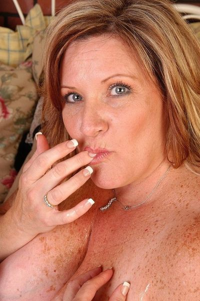 Scharfe Posts für MILF Dates mit Kosmetikerinnen